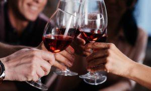 אילו יינות כדאי ליישן?